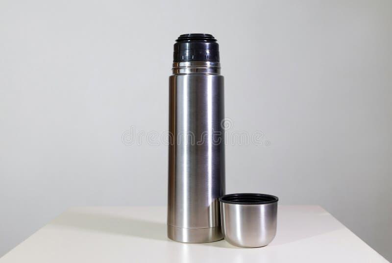 Metallvakuumflasche stockbilder