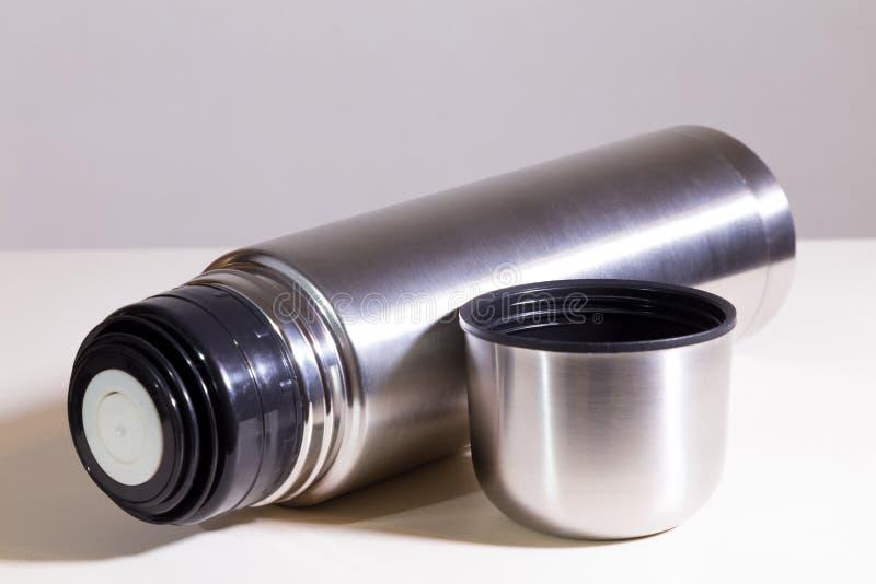 Metallvakuumflasche stockfoto