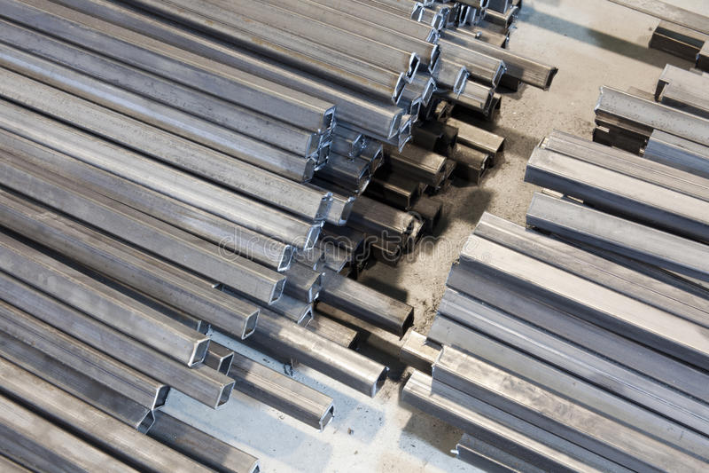 Metallvierkantrohr stockfotografie