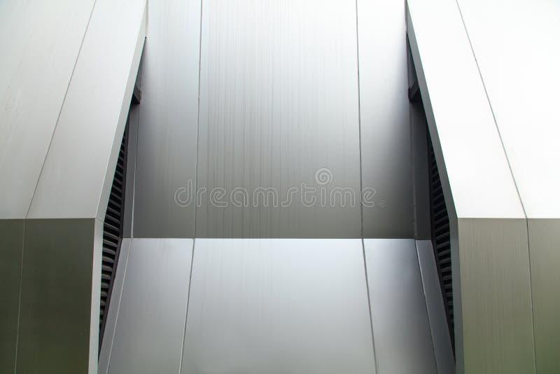 Metallwand lizenzfreie stockbilder