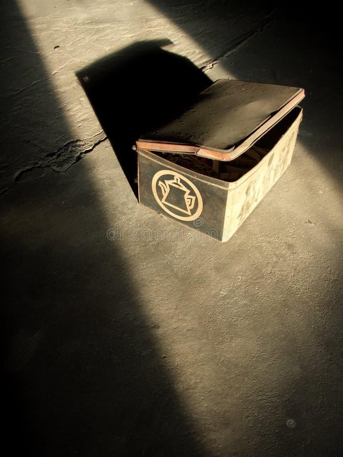 metalowe pudełko stary zdjęcia stock