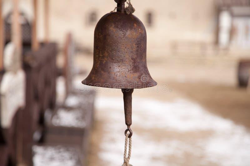 Download Metalu dzwon obraz stock. Obraz złożonej z budynek, sznur - 57669999