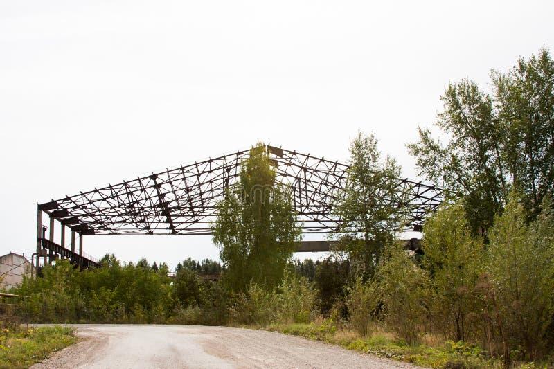 Metalu kościec duży hangar, Rosja fotografia stock