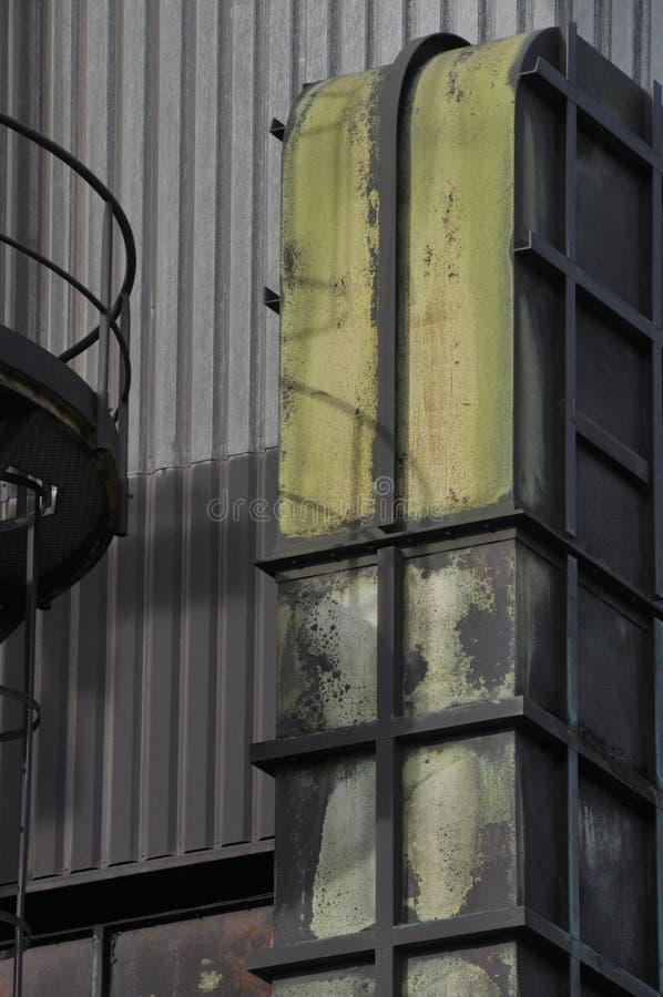 Metalu komin wietrzejący obrazy stock