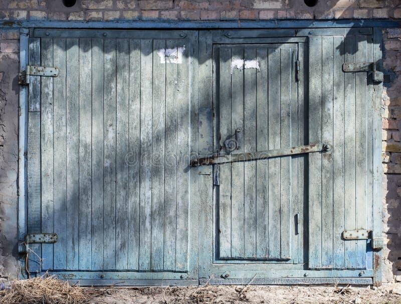 Metalu magazynowy drzwi, hangar zdjęcie stock
