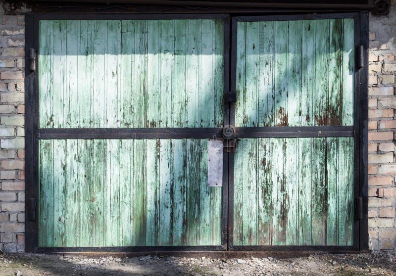 Metalu magazynowy drzwi, hangar obrazy stock