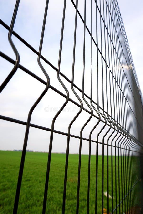 Metalu ogrodzenia drut zdjęcia stock