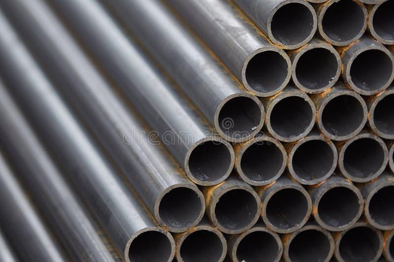 Metalu profilu drymba round sekcja w paczkach przy magazynem metali produkty obraz royalty free