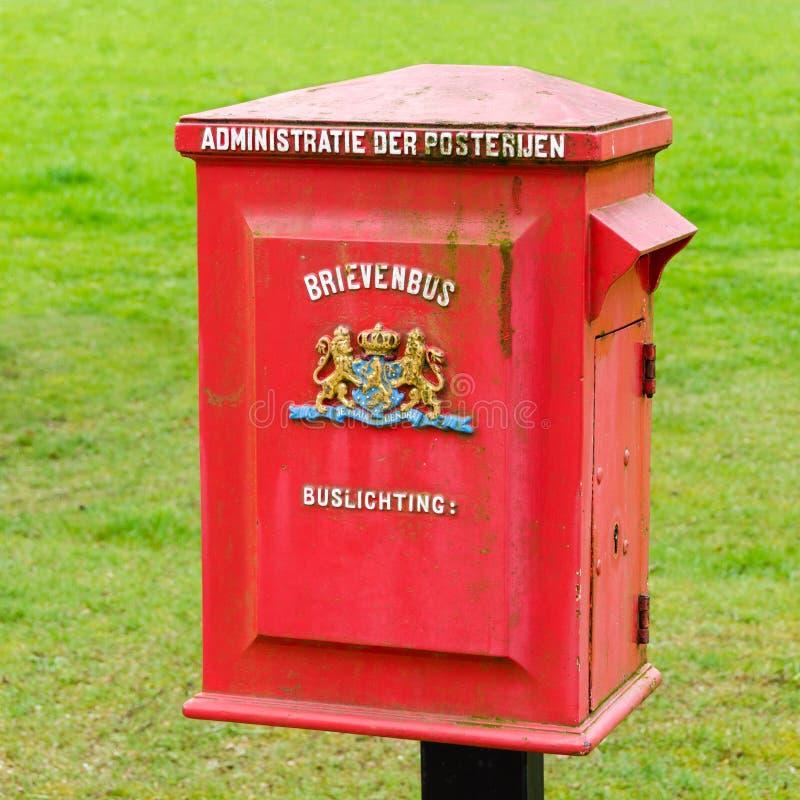 metalu stara postbox czerwień obraz stock