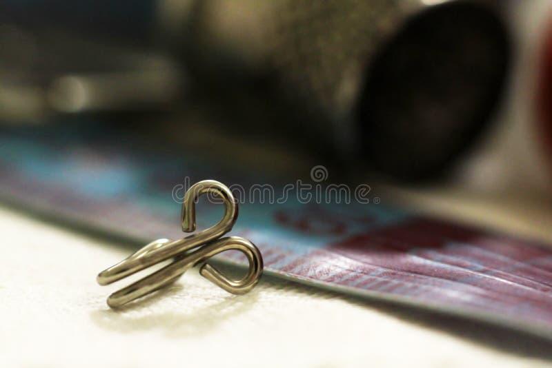 Metalu szwalny naparstek, haczy w ten sposób zakończenie zdjęcie royalty free