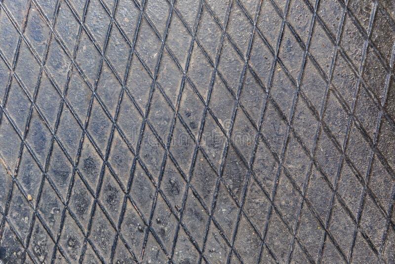 Metalu talerz na podłoga obrazy stock