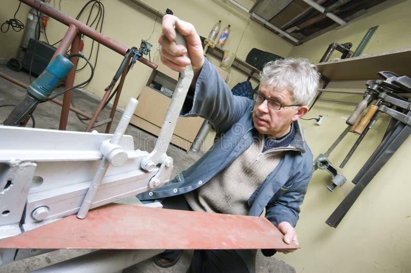 metalworker гильотины стоковое изображение