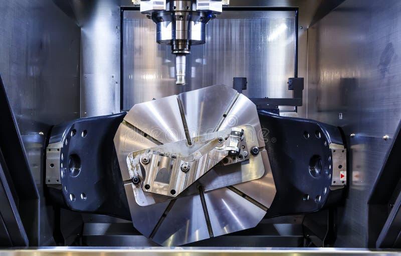 Metalworking CNC mielenia maszyna Tnącego metalu nowożytna przerobowa technologia Mała głębia pole Ostrzeżenie - autentyczny zdjęcie stock