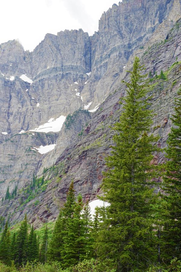 Metamorfosebinnendringen in Gletsjer Nationaal Park stock afbeeldingen