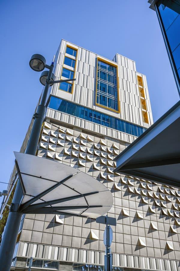 Metamorfosi geometrica di architettura moderna fotografia stock