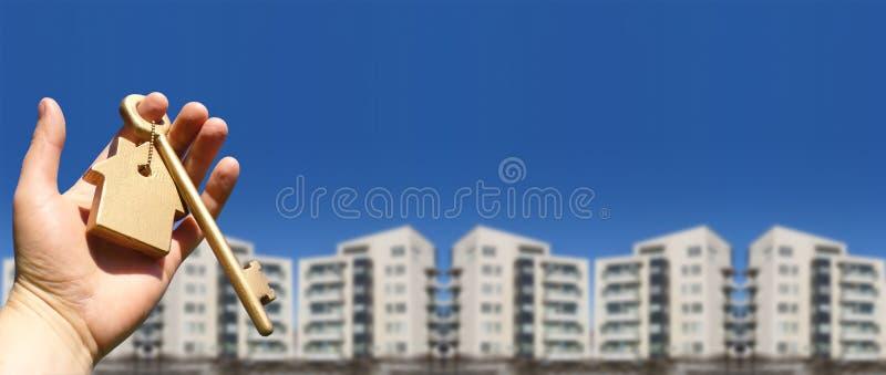 Metapher, die ein Haus kauft lizenzfreies stockfoto
