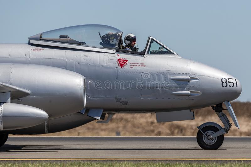 Meteora F di Gloster 8 aerei VH-MBX nelle marcature dell'aeronautica di australiano reale di era della guerra di Corea RAAF immagini stock
