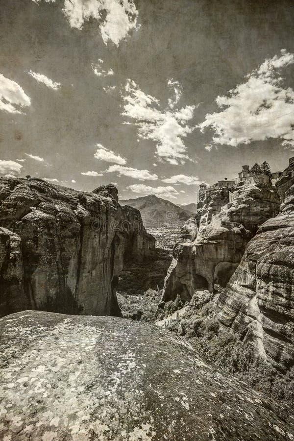 Meteora, fotografía del viejo estilo de la impresión del papel del vintage fotos de archivo