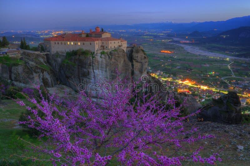 Meteora, Grèce - photo de ressort, saint Stefan de monastère photo libre de droits