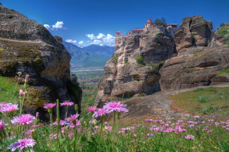 Meteora Grekland - fjädra bilden, klosterhelgonet Varlaam royaltyfri bild
