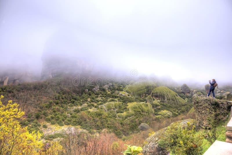 Meteora Rocas y niebla fotografía de archivo libre de regalías