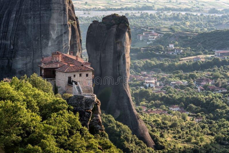 Meteore o monastero di Rousanou - st Barbara di Meteora immagini stock