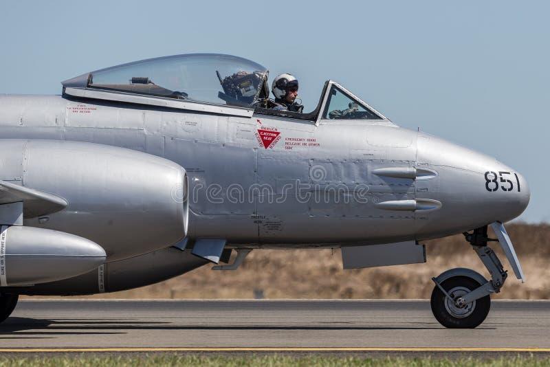Meteorito F de Gloster 8 aviones VH-MBX en marcas de la fuerza aérea de australiano real de la era de la Guerra de Corea RAAF imagenes de archivo