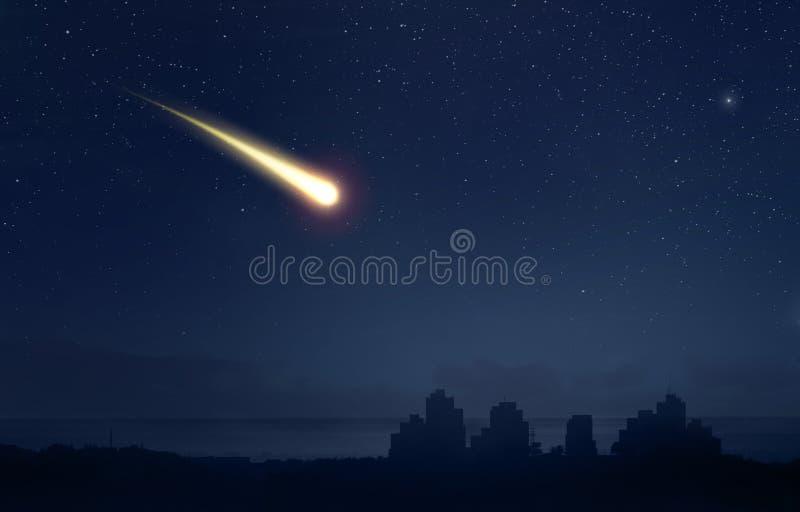 Meteor eller komet över staden arkivfoton