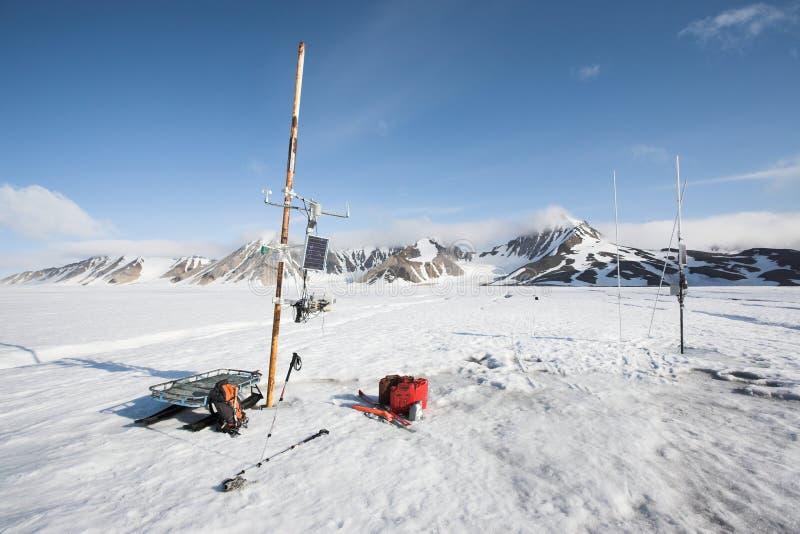 meteorological station för arktisk glaciär arkivfoton