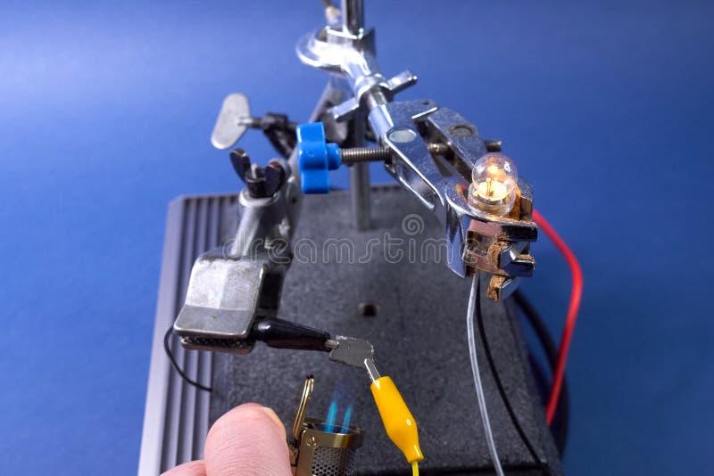 Meting van elektrogeleidingsvermogen van germanium royalty-vrije stock afbeeldingen