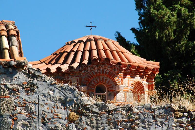 Metrópole ortodoxo de Dimitrios de Saint no local arqueológico de Mystras foto de stock