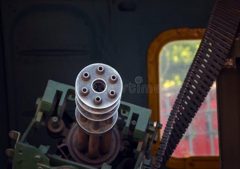 Metralhadora velha no helicóptero da porta imagem de stock