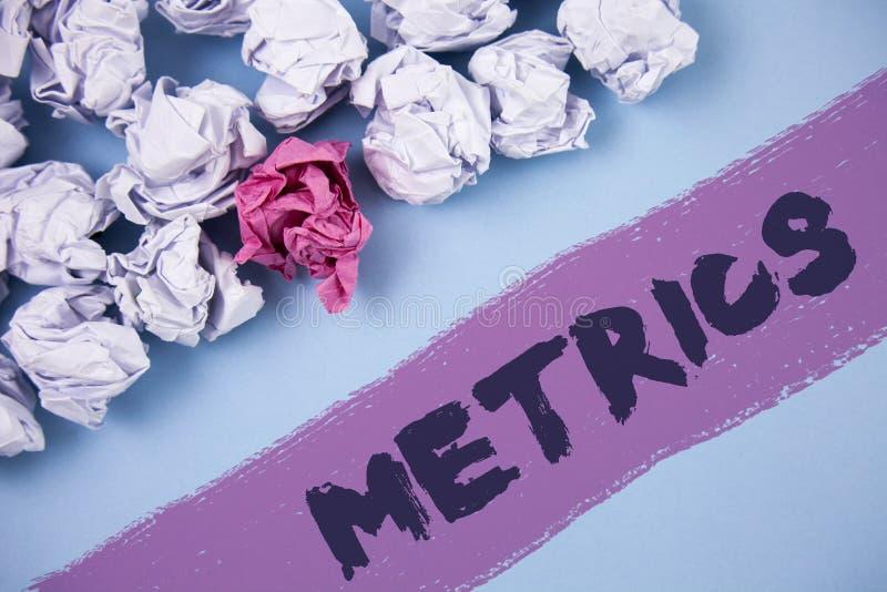 Metrik för ordhandstiltext Affärsidé för metod av att mäta något poetisk meteruppsättning för studie av nummer som är skriftliga  royaltyfria foton