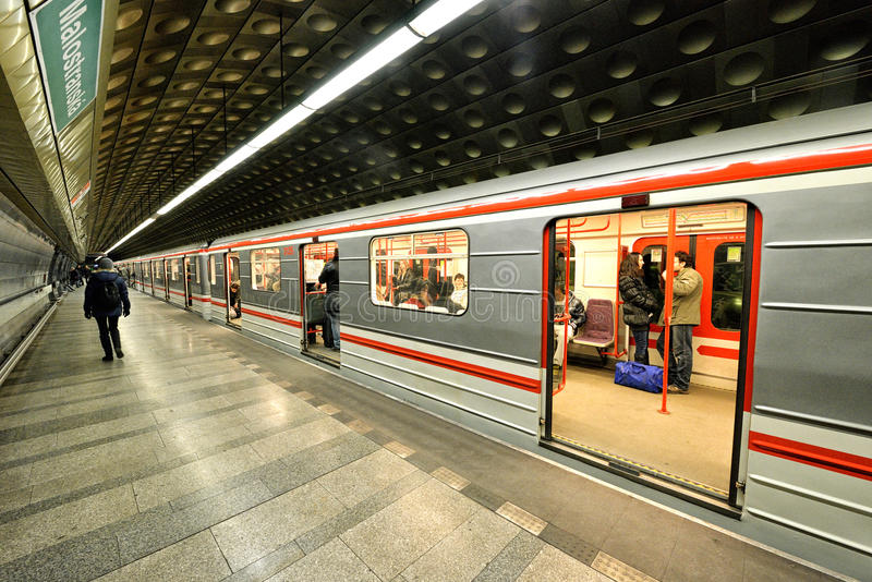 Metro de Praga imagem de stock royalty free