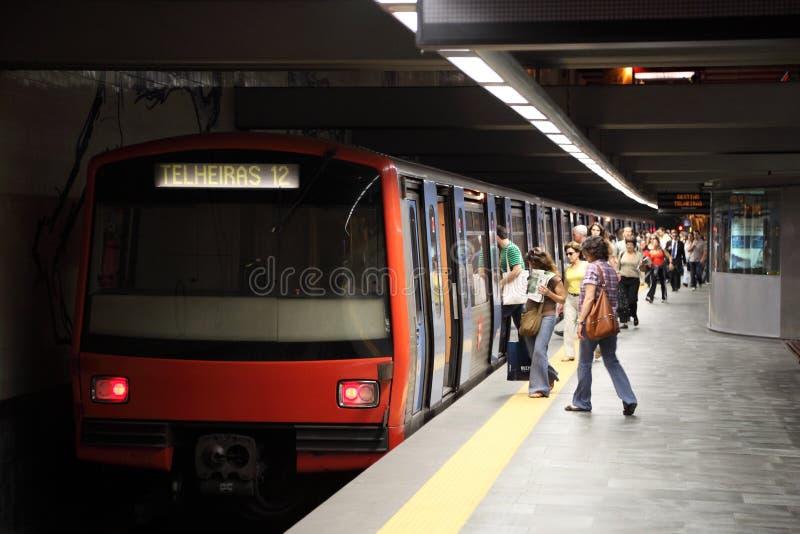 Metro in der Oriente Station, Lissabon lizenzfreies stockbild