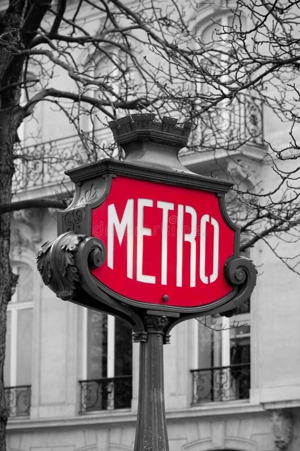 Metro kennzeichnen innen Paris, Frankreich lizenzfreies stockfoto