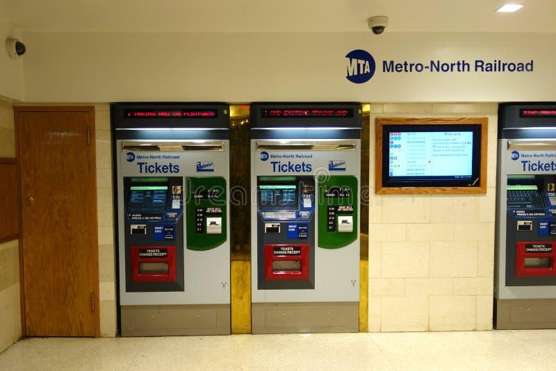 Metro-Norden-Eisenbahn-Automaten stockfoto