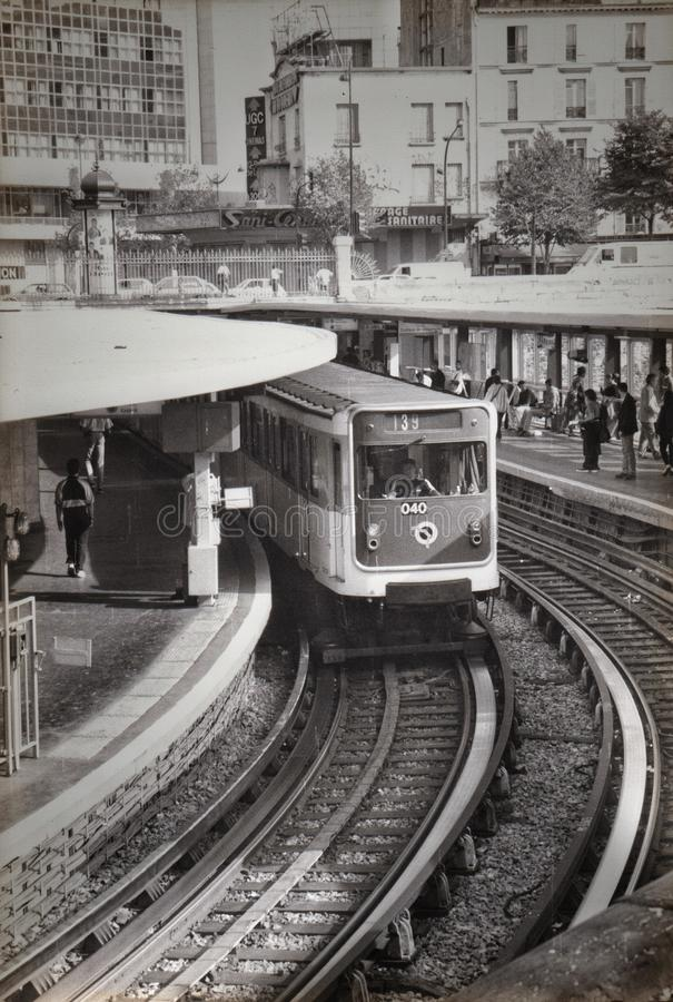 Metro parisien lizenzfreies stockfoto