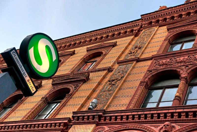 Metro Post, Berlijn, Duitsland. stock foto