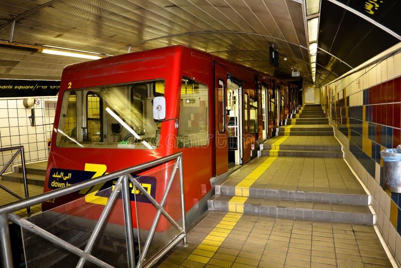 Metro post op Onderstel Carmel in Haifa royalty-vrije stock afbeelding