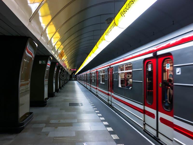 Metro in Praag stock afbeeldingen