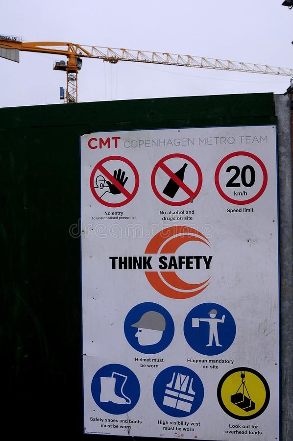 METRO TRAIN CONSTRUCTIPN SITE THINK SAFETY royalty free stock photography