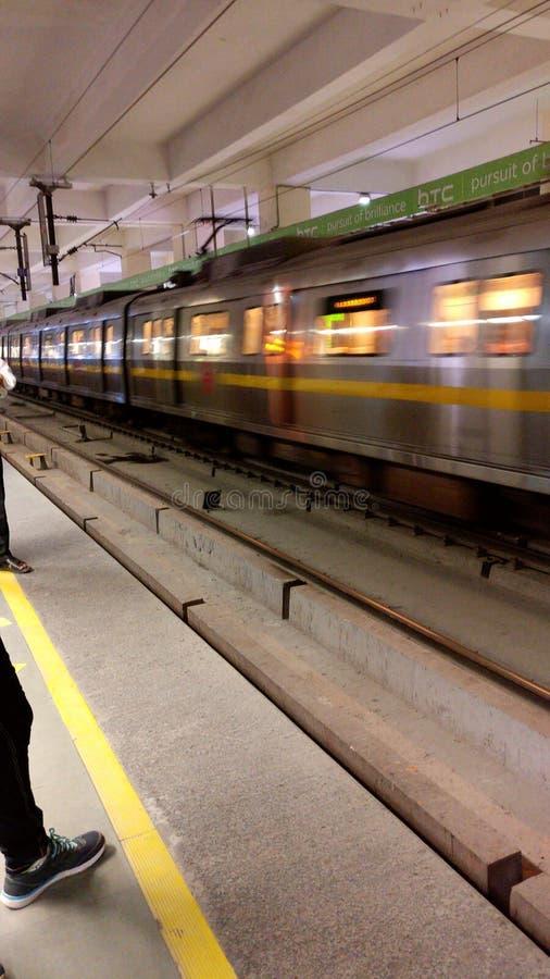 Metro van New Delhi vervoersspoorweg royalty-vrije stock foto