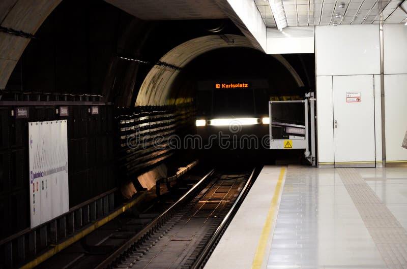 Metro van Wenen stock afbeeldingen