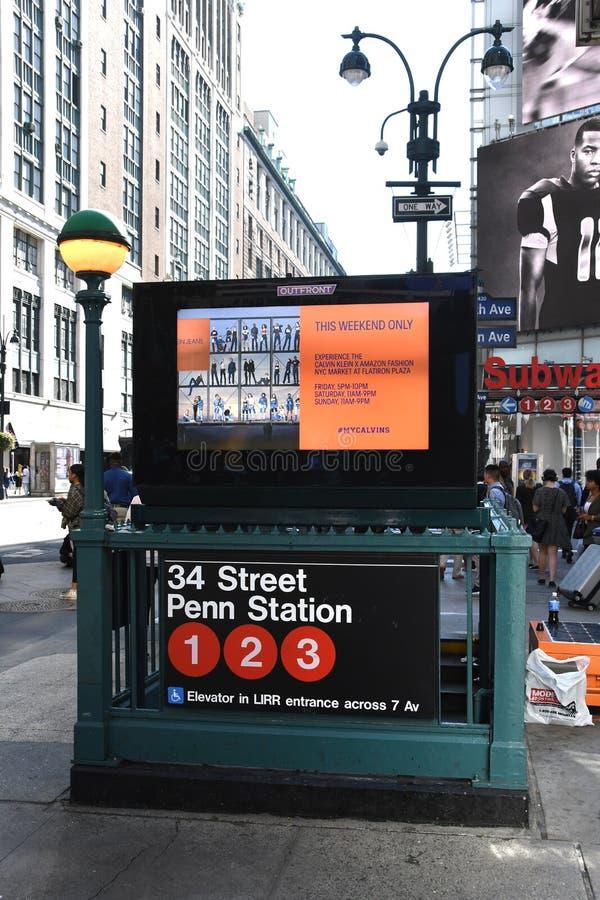 Metro znak Dla Miasto Nowy Jork pociągu obrazy stock