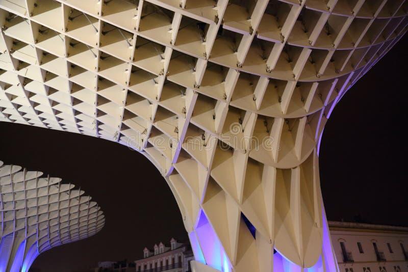 Metropol slags solskydd i Plaza de la Encarnacion, den största trästrukturen i Europa royaltyfri bild