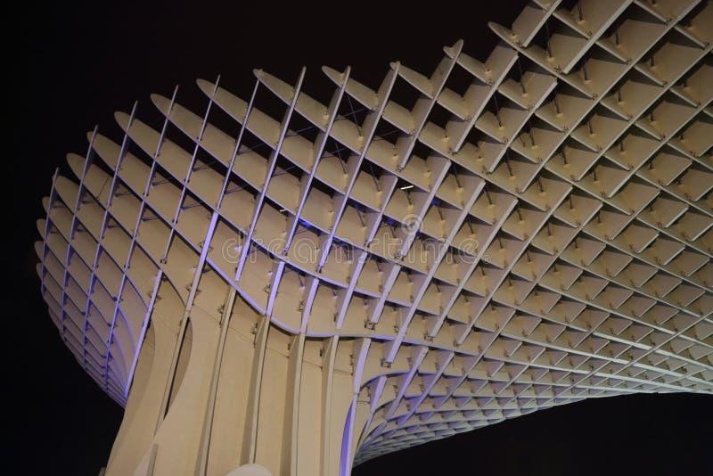Metropol-Sonnenschirm in Plaza de la Encarnacion, die größte hölzerne Struktur in Europa stockbild