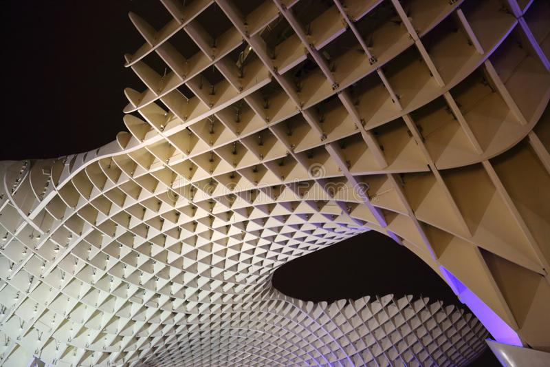 Metropol-Sonnenschirm in Plaza de la Encarnacion, die größte hölzerne Struktur in Europa lizenzfreie stockfotografie