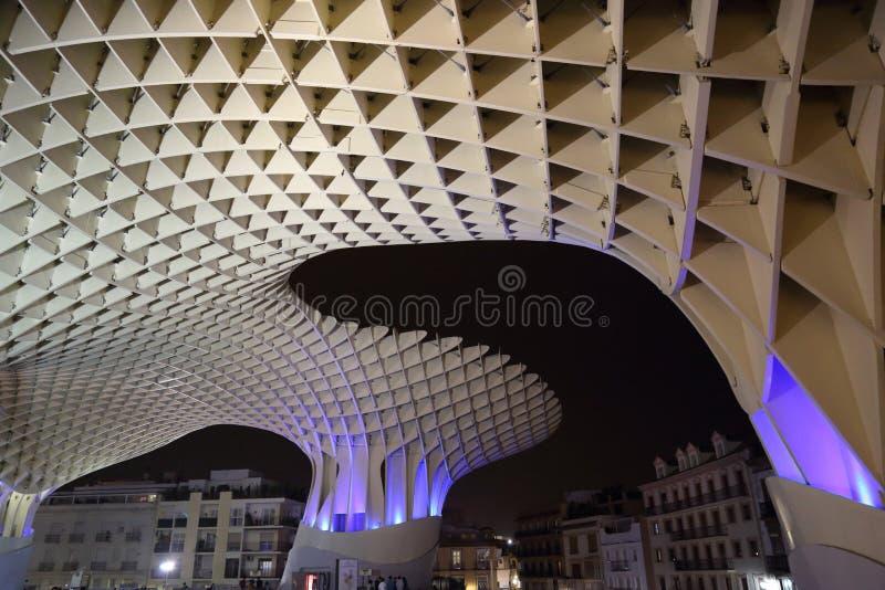 Metropol-Sonnenschirm in Plaza de la Encarnacion, die größte hölzerne Struktur in Europa stockfoto
