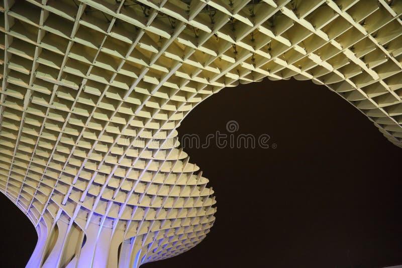Metropol-Sonnenschirm in Plaza de la Encarnacion, die größte hölzerne Struktur in Europa stockfotos
